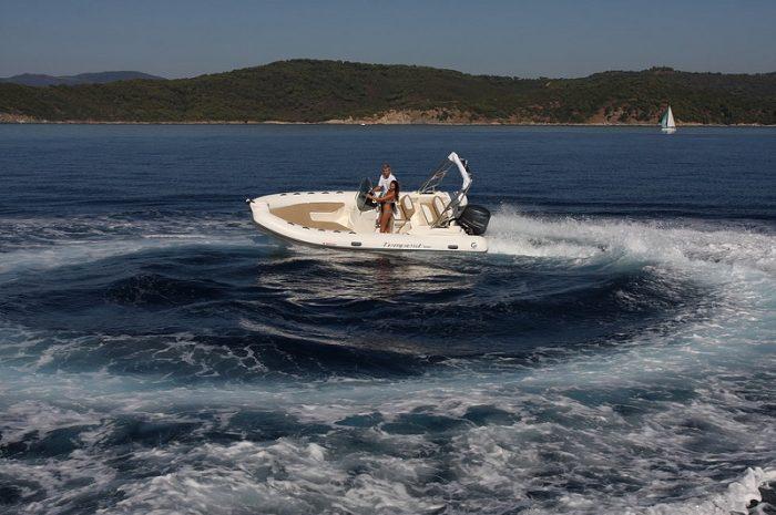 bateau location hyéres carqueiranne